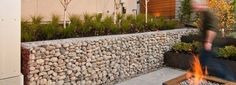 LOW COST Stone gabion baskets for retaining walls Landscape Design, Garden Design, Garden Art, Garden Ideas, Gabion Retaining Wall, Gabion Baskets, Outdoor Baths, Banquette, Baskets On Wall