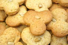 De délicieux petits biscuits aux senteurs de la Provence! L'alliance de l'huile d'olive et du miel est juste superbe!