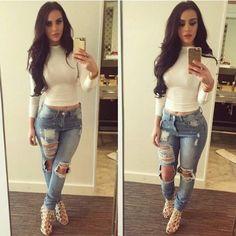 Tight top, boyfriend jeans.