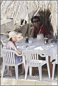 """Raphael Space Club on Twitter: """"La familia de @RAPHAELartista: en Ibiza, y lejos de la isla... https://t.co/M7qNDmmACI https://t.co/hr1BRsOcdD"""""""