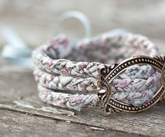 Shabby chic bracelet.......seems pretty easy to make.......