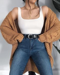 Today in YMI Jeans jeans 💕☕️Comment a 🌼 if you'd wear this outfit! Today in YMI Jeans jeans 💕☕️Comment a 🌼 if you'd wear. Hijab Casual, Cute Casual Outfits, Retro Outfits, Simple Outfits, Stylish Outfits, Ootd Hijab, Winter Fashion Outfits, Fall Outfits, Modest Fashion