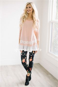 SPRING PEACH RUFFLE & LACE TOP