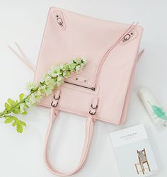 Korea Leather Bag Shopping Mall [BAGSHOES] #koreafashionshop #Fashionwomen  #korea #dailylook #dailyfashion #dailybag #motorbag #calfskinbag #sheepskinbag #leatherbag #syntheticbag #wallet #acc #shoes #mensbag #clutch #backpack #crossbag #totebag #koreafashion #clothes #totebag #手提包 # トートバック  MOTOR SKIP TOTE BAG / Size : FREE / Price : 59.38 USD