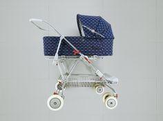 Pram Stroller, Baby Strollers, Vintage Pram, Prams And Pushchairs, Baby Equipment, Baby Prams, Sweet Memories, Retro, Travel System