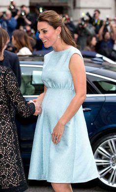 Vestidos de festa para grávidas   Macetes de Mãe