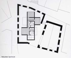 AIRES MATEUS - ALENQUER HOUSE | new house inserted within existing walls