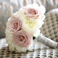 #bouquet #peonies #roses #davidaustinroses #wedding #bridalbouquet