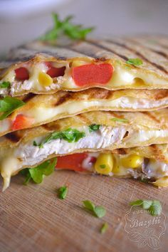 Snack Recipes, Snacks, Chicken Wraps, Calzone, Tortellini, Diy Food, Food And Drink, Healthy Eating, Favorite Recipes