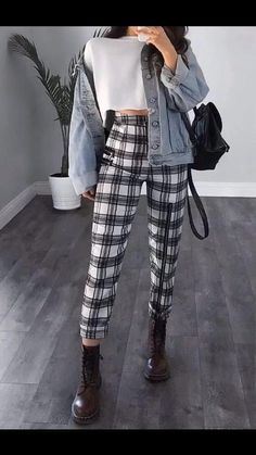 #fashion Fall College Outfits, Cute Outfits For School, Outfits For Teens, Cute Outfits For Girls, College Casual, Teen School Clothes, Outifts For School, Clothes For Girls, Cold Weather Outfits For School