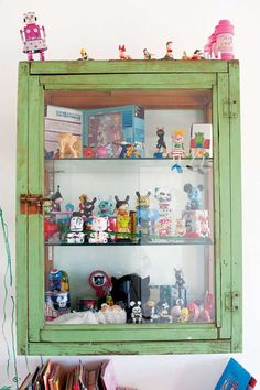 129 best toy display images displaying collections retro toys rh pinterest com