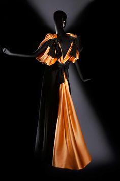 A Sneak Peek at the Met's New Jacqueline de Ribes Exhibit: Jacqueline de Ribes, autumn-winter 1987-88.
