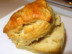 My grandma makes these every time we go over for dinner. I got my starter from her, so I too make these every couple weeks when I need to use up some starter. They are really fast and easy, and taste delicious right out of the oven. Sourdough Pancakes, Sourdough Recipes, Sourdough Bread, Recipe For Sourdough Biscuits, Bread Machine Recipes, Bread Recipes, Cookie Recipes, Starter Recipes, Grandma's Recipes