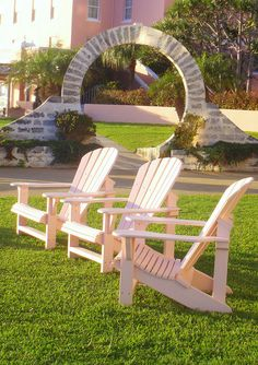 An Adirondack chair, a moon gate and the beautifully pinkFairmont Hamilton Princess Hotel....all of this and afternoon tea too! A wonderful Bermuda experience. Bermuda by Jess (Girl from a Rock), via Flickr