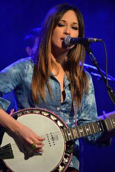 Kacey Musgraves on Banjo.