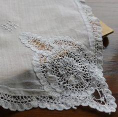 france vintage フランスアンティークレースハンカチ 手刺繍モノグラム&綿ローンハンカチ