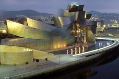Guggenheimmuseum in Bilbao: Stararchitekt Frank Gehry verbat sich jede Einmischung. Er lieferte pünktlich und zu den vereinbarten Kosten