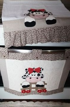 Imagen relacionada Doll Patterns, Fabric Patterns, Sewing Patterns, Farm Crafts, Diy And Crafts, Animated Cow, Cow Craft, Decorative Towels, Sewing Appliques