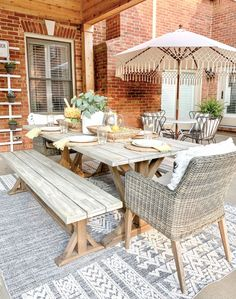 Outdoor Summer Tablescape + Patio Tour | Bless This Nest Outdoor Living Areas, Outdoor Rooms, Outdoor Tables, Outdoor Furniture Sets, Outdoor Decor, Backyard Play, Backyard Ideas, Deck Design Plans, Grey And White Rug