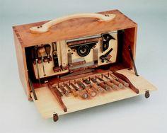 Neat tool box     VERY NICE !