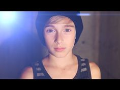 Austin Mahone- What About Love (Cover by Johnny Orlando) awww un minimini *w* :33