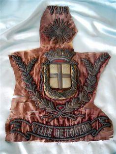 Antique French fabric  Crown  and pelmet  par MadameSoussou sur Etsy