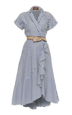 This **Lena Hoschek** Carolina Wrap Dress features short sleeves with a v-neckline and shirt dress silhouette. Source by lmchellsen Dresses Simple Dresses, Casual Dresses, Casual Outfits, Fashion Dresses, Summer Dresses, Wrap Dresses, Dress Skirt, Dress Up, Shirt Dress