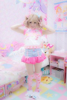 jojifuku, or a super kawaii fairy kei Gyaru Fashion, Pastel Fashion, Harajuku Fashion, Kawaii Fashion, Lolita Fashion, Cute Fashion, Rock Fashion, Estilo Harajuku, Harajuku Girls