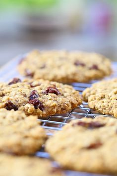 Oatmeal Raisin Cookies - Soft and chewy, whole grain oatmeal cookies, with raisins and 5 spices. {vegan}