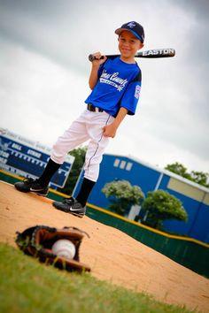 Baseball Tips for Beginners – Baseball Today - Sport Baseball Team Pictures, Softball Photos, Sports Baseball, Sports Pictures, Baseball Today, Baseball Cleats, Baseball Season, Baseball Photo Ideas, Baseball Shirts