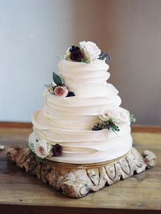simple white white ruffled wedding cake via Charity Maurer / http://www.deerpearlflowers.com/amazing-wedding-cake-ideas/