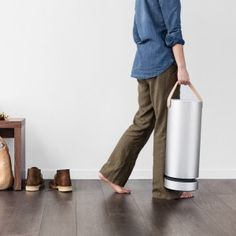 Molekule air purifier destroys pollutants rather than collecting them