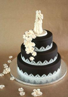 Painted By Cakes - Kakkuja tilauksesta: SUKLAINEN HÄÄKAKKU - CHOCOLATE WEDDING CAKE