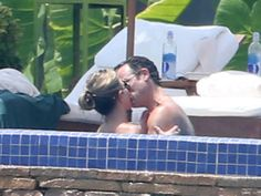 PDA alert! Jennifer Aniston and Justin Theroux got cozy in Mexico