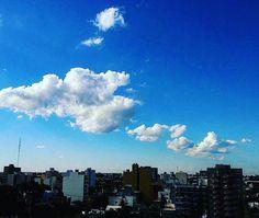 #Repost @so.stele  #cielo #sky #horizonte #skyline #skyview #skyscape #skyviewers #puestadesol #ocaso #anochecer #dusk #verano #summer #BuenosAires #altura #heights #nubes #clouds #nubesdetuciudad http://ift.tt/2lQSlU5 http://ift.tt/2lLcyic