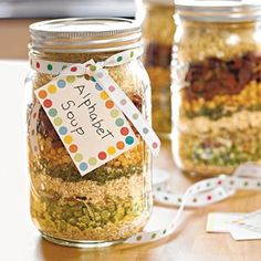 Dry soup mix in jar - alphabet soup Diy Gifts In A Jar, Easy Diy Gifts, Jar Gifts, Food Gifts, Homemade Gifts, Homemade Soup, Cheap Gifts, Edible Christmas Gifts, Christmas Jars