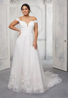 Plus Size Wedding Dresses: Julietta Collection | Morilee Sweetheart Wedding Dress, Bridal Wedding Dresses, Bridal Outfits, Plus Size Bridal Dresses, Plus Size Wedding Gowns, Tulle Ball Gown, Ball Gowns, Mori Lee Bridal, Vestidos Plus Size