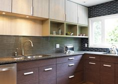 mix of cabinet colors