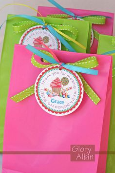 candy party favor bags i m having fun planning a candy themed party . Candy Themed Party, Candy Party Favors, Party Favor Bags, Party Gifts, Party Themes, Party Ideas, Theme Ideas, Goody Bags, Gift Bags