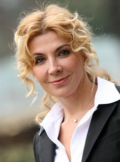 Celebrities who died young Photo: Natasha Jane Richardson May 1963 – 18 March 2009 Long Ponytails, Curly Ponytail, Liam Neeson, Natasha Richardson, Celebrities Who Died, Female Movie Stars, Beautiful Wife, Beautiful Ladies, After Life