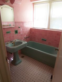 Vintage Pink Tile Bathroom from 1920's; is it weird that I think this is awesome?!?!?