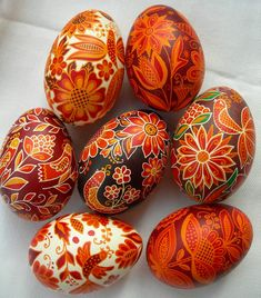 Easter Egg Pattern, Brown Eggs, Ukrainian Easter Eggs, Bead Embroidery Patterns, Easter Traditions, Easter Colors, Egg Art, Egg Decorating, Christmas Crafts For Kids