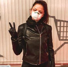 Scuba Diving Pictures, Gas Mask Girl, Respirator Mask, Jennifer Aniston, Kim Kardashian, Gloves, Leather Jacket, Medical, Outfits