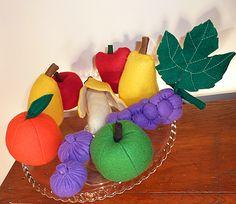 fruits en feutrine, pomme en feutrine poire en feutrine banane en feutrine figue en feutrine raisin en feutrine orange en feutrine, fraises ...