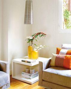 Mesas auxiliares para el salón Floating Nightstand, Floor Chair, Furniture Design, Sweet Home, Living Room, Interior Design, Table, House, Inspiration