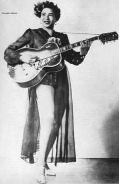 Memphis Minnie.  Blueswoman Recording career 1920' to 1950'
