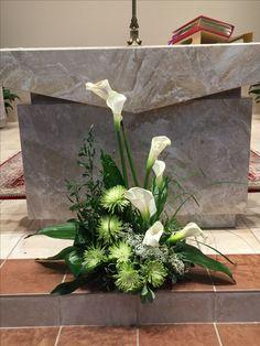 Altar Flowers, Church Flowers, Love Flowers, White Flowers, Church Altar Decorations, Wedding Decorations, Floral Wedding, Wedding Flowers, Large Flower Arrangements