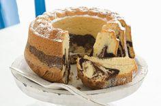 Mramorová bábovka Slovak Recipes, Czech Recipes, Bread Recipes, Ethnic Recipes, No Bake Desserts, Dessert Recipes, Bunt Cakes, Brownie Cake, Brownies