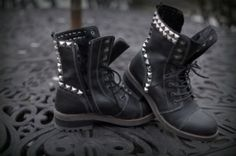3 Must Have Fall Boots http://electrolette.blogspot.com/2012/09/3-must-have-fall-boots.html#