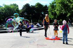 Riesenseifenblasen schaffen Bubbles, Kids